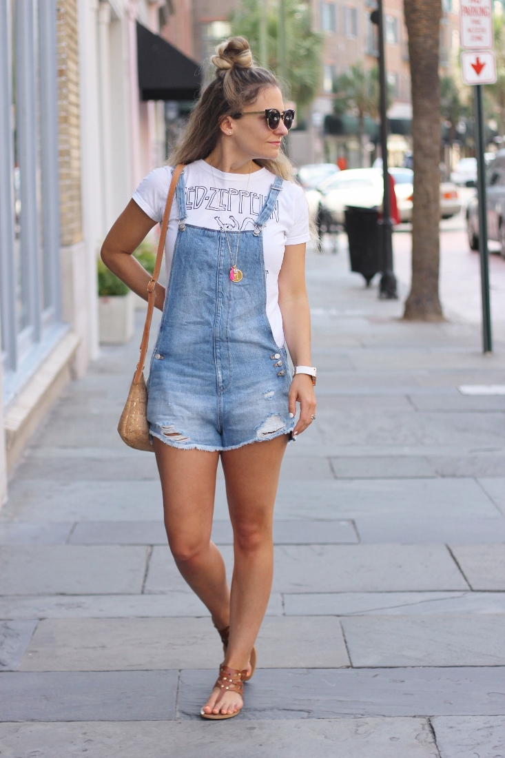 Summertime denim overall shorts outfit