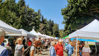 shoppers in Sechelt farmers' market