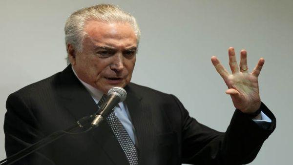 Temer pide suspender a fiscal general que lo acusa de corrupción