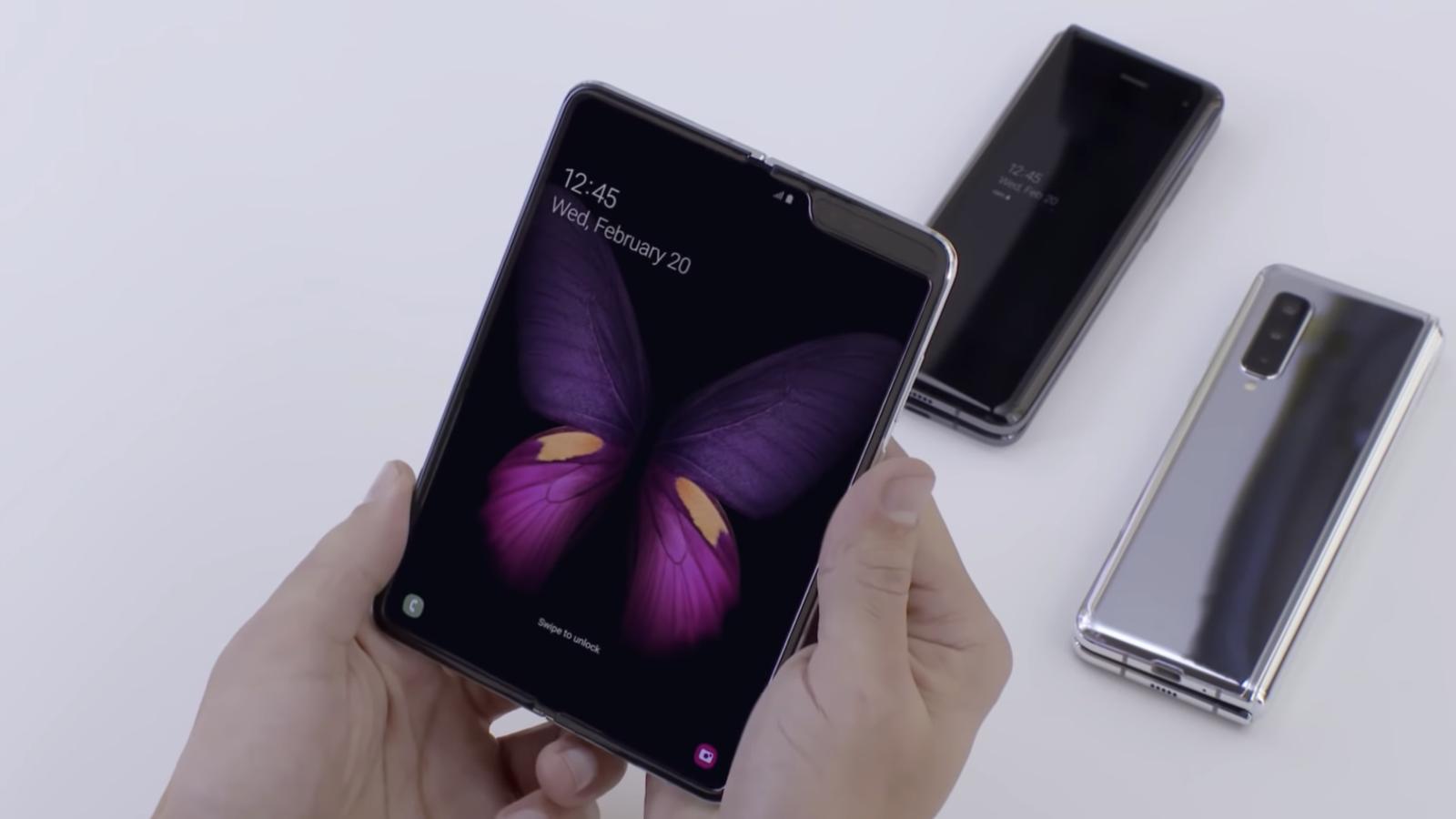 Rinvio-lancio-Samsung-Galaxy-Fold