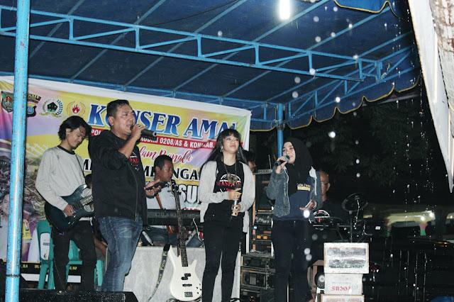 Konser amal untuk korban tsunami.