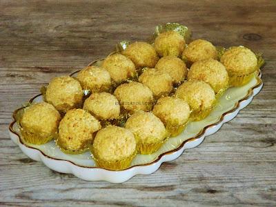 Bolos de coco e manteiga de amendoim