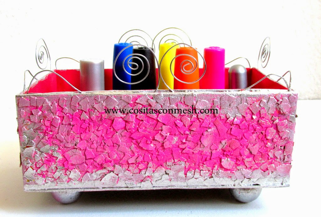 C mo reciclar una caja de cart n manualidades cositasconmesh - Reciclar cosas para decorar ...