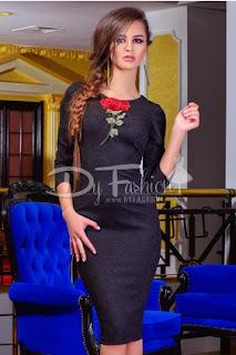 Rochie de ocazie midi neagra cu imprimeu tip trandafir si crapatura la spate