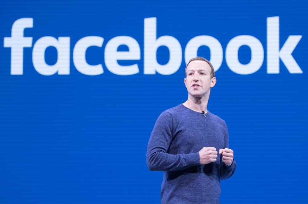 واخيرا زوكربيرج يتعهد بعمل مراجهة لسياسة فيسبوك