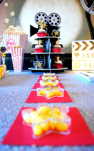 Walk the red carpet to your Oscar party desserts. For more inspiration and to see the whole table go to www.fizzyparty.com