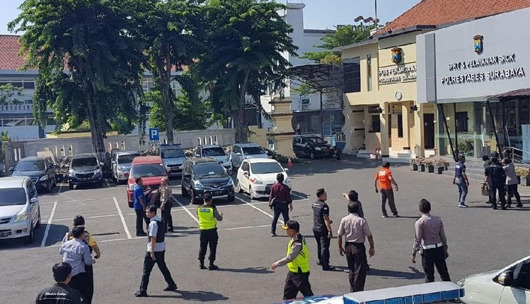 Polrestabes Surabaya Di Bom