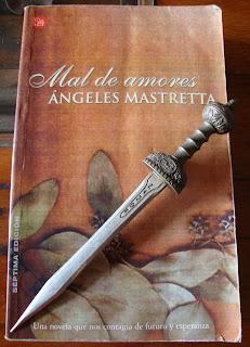 Portada del libro Mal de amores, de Ángeles Mastretta