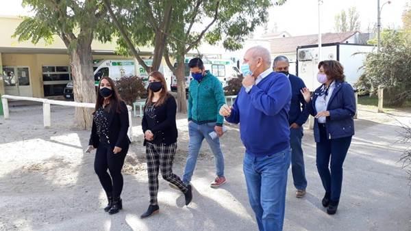 La gobernadora Carreras visitó el hospital de Roca en su aniversario