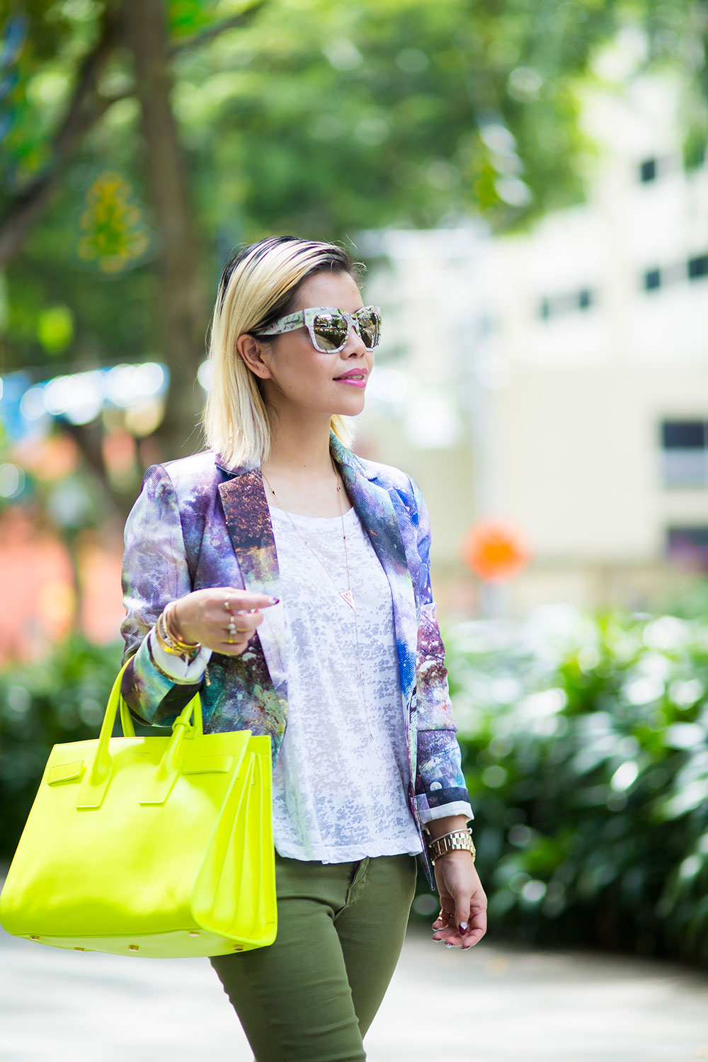 Crystal Phuong- Going green with printed blazer, neon Sac de jour bag