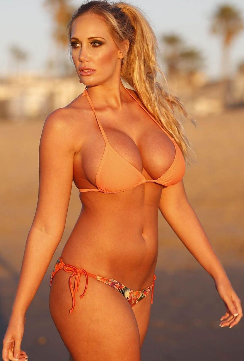 Nude leabians