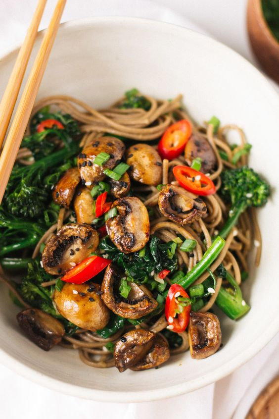 ★★★★☆ ratings    | roasted teriyaki mushrooms and broccolini soba noodles  #roasted #teriyaki #mushrooms #broccolini #soba #noodles