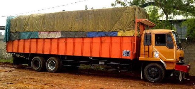 truk tronton terbesar di indonesia