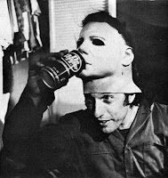 Nick Castle interpretando a Michael Myers