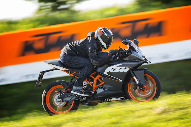 2015 KTM RC125 - (Pasar Eropa) 02