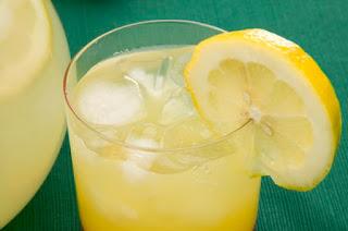 Jugo de Limon Para Las Marcas de Acne