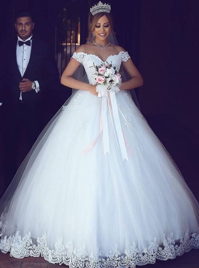 https://www.simple-dress.com/ball-gown-off-the-shoulder-tulle-wedding-dress-with-appliques.html