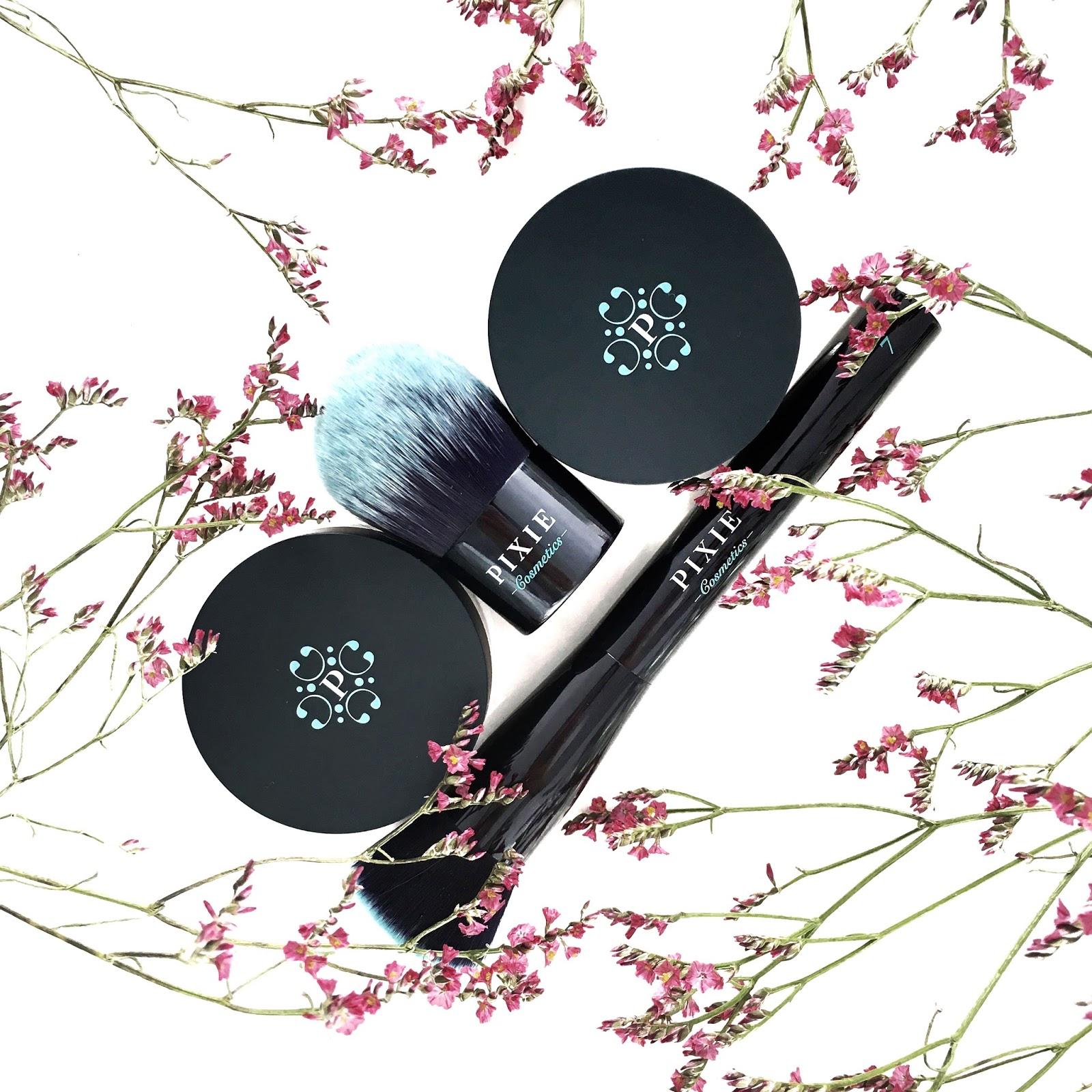 Pixie Cosmetics podkład mineralny i pędzle