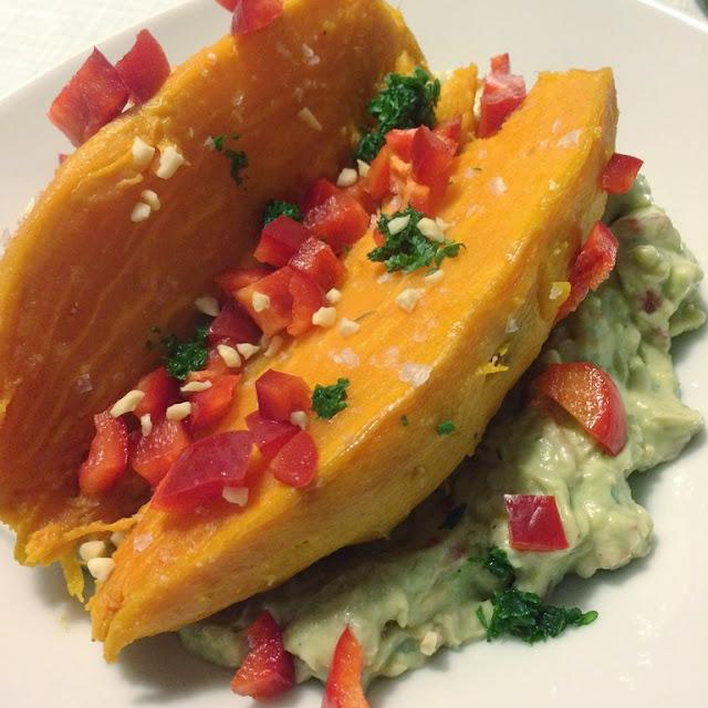 Rezept Süßkartoffeln mit Avocado-Paprika-Dip, vegetarisches veganes Gericht, mittwochs mag ich