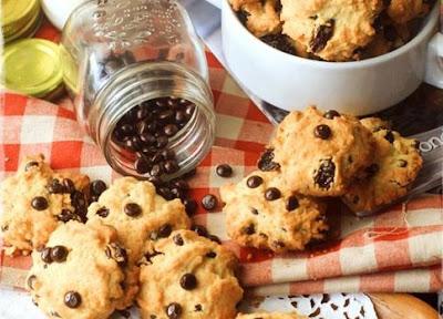 Membuat Kue Chocochips Cookies Renyah