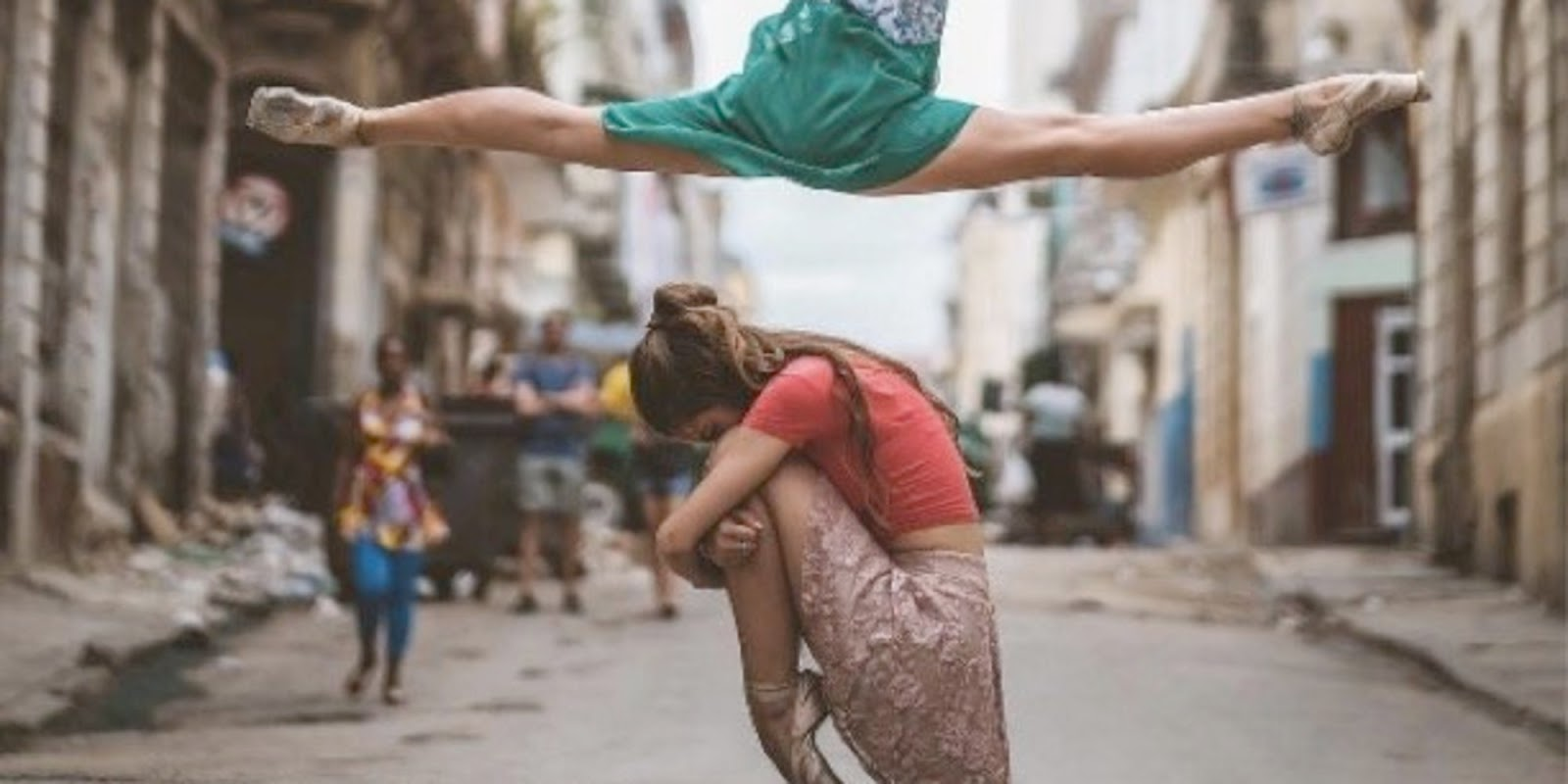 Breathtaking Photos Capture Cuba's Legendary Ballerinas Dancing In The Streets