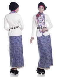 Gamis Batik Pesta Wanita Muslimah