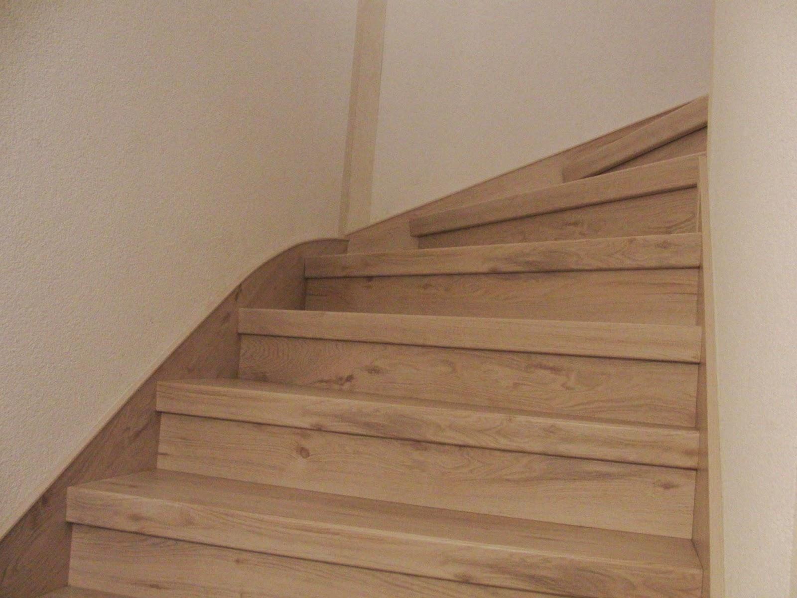 holz geländer treppe streichen   treppe weiß streichen dunkle treppe