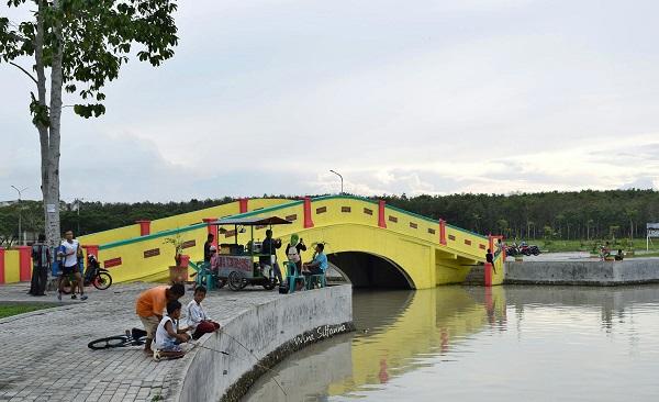Jembatan di alun alun Kisaran