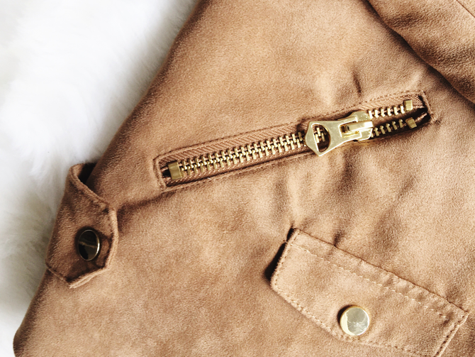 5 piece french wardrobe | new in | h&m beige suede jacket | more details on my blog http://junegold.blogspot.de | life & style diary from hamburg | #fashion  #fivepiecefrenchwardrobe #hm #jacket #suede #beige