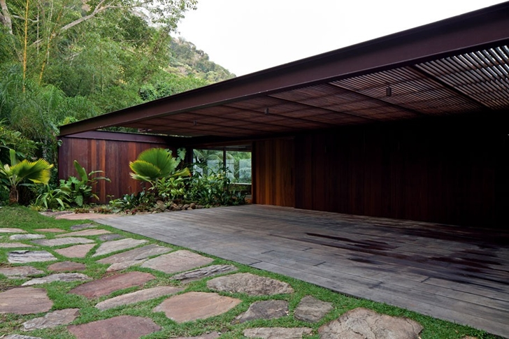 Wooden facade of AMB House by Jacobsen Arquitetura