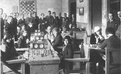 Sala de juego del I Campeonato Femenino de Ajedrez Barcelona 1932