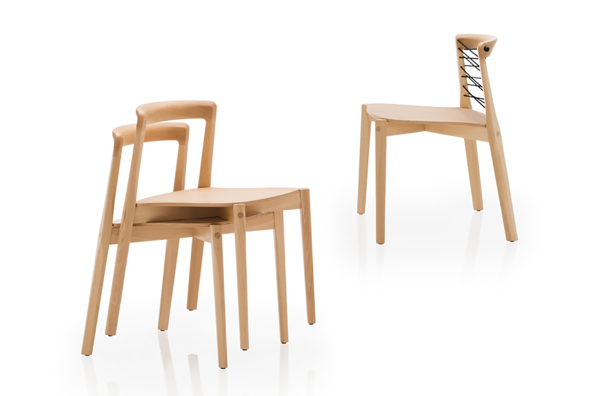 la versin con asiento revestido con tejido kvadrat combina suavidad y calor con el feeling natural de la madera