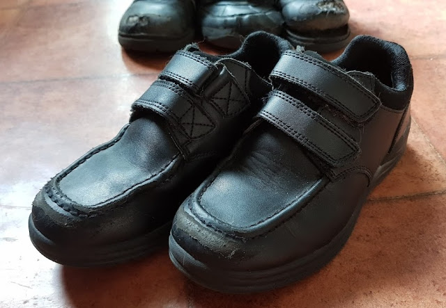 Treads Boys Black School Shoes 4 months old slightly scuffed