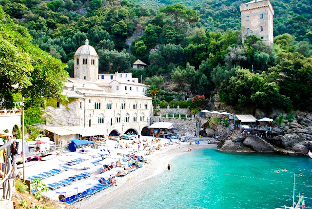 San Fruttuoso Italy {Cool Chic Style Fashion}