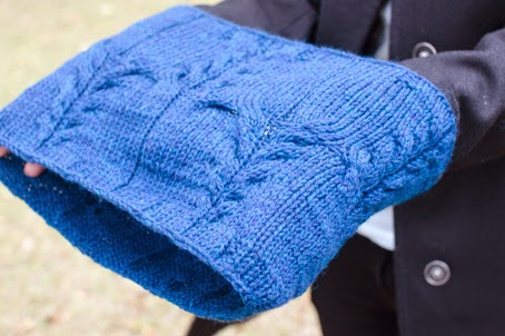 Puzzlewood cowl pattern by Katya Frankel