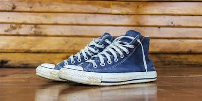 7 Tips Mencuci Sepatu Kanvas dengan Mesin Cuci