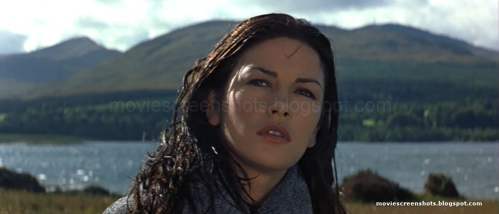 Bond's number is up: black female actor 'is the new 007' Entrapment-1999-Connery_Zeta-Jones-movie-02564