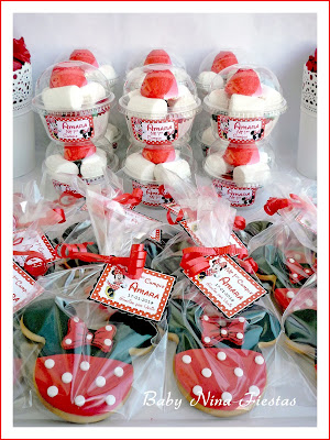 galletas y vasitos con chuches minnie mouse roja