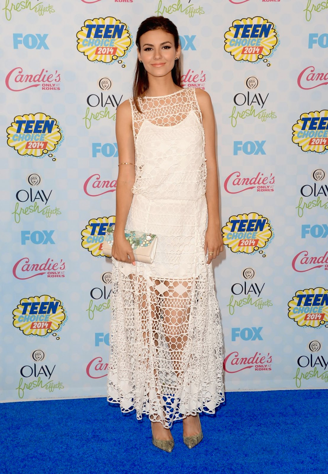 Victoria Justice is angelic in white at the 2014 Teen Choice Awards