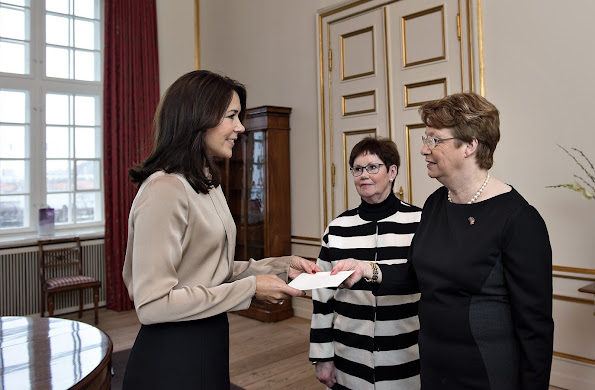 As the patron of Maternity Foundation, Crown Princess Mary of Denmark received the donation made by Inner Wheel Club to the Maternity Foundation, which is presented by Inner Wheel Coordinator, Benedicte Haubro