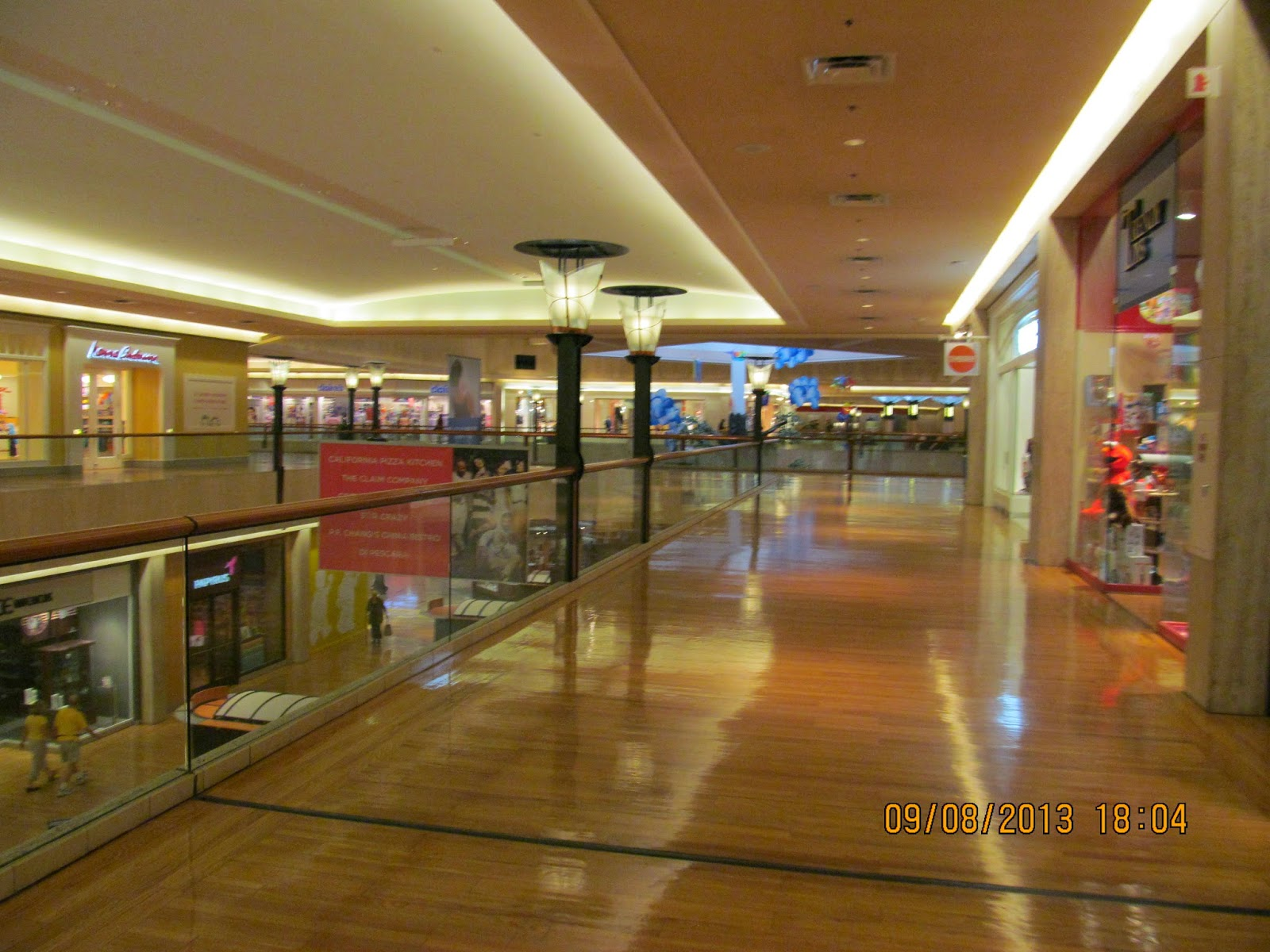 NORTHBROOK, IL — The new owners of Northbrook Court are proposing a major redevelopment of the year-old shopping mall. A preliminary proposal submitted to the Northbrook Village Board for review Tuesday would demolish the Macy's and completely renovate the interior of the mall.