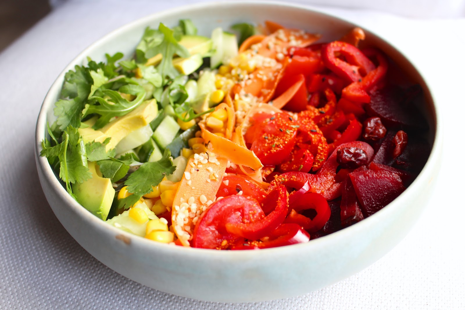Rainbow salad bowl - vegan & raw