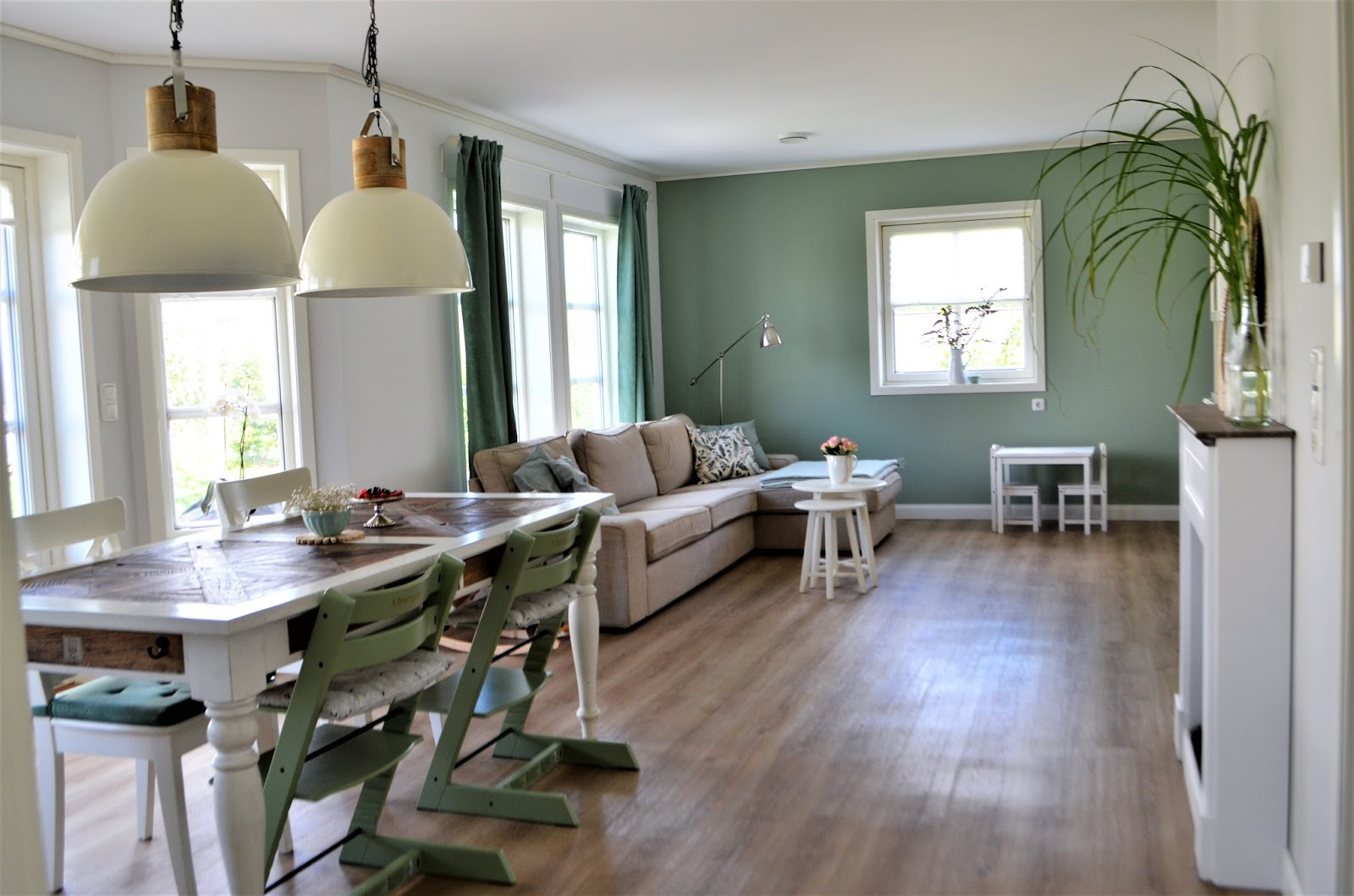 Denn Die Neue Farbe Moos Passt Wie Der Po Aufs Sofa In Unseren Traum Vom Wohnzimmer