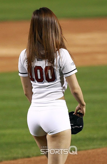 Foto Choi Seol Hwa Playing Baseball [66 Pics + Video]