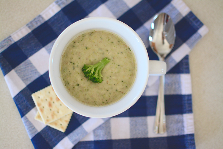 Make: Creamy Broccoli Soup | My Darling Days