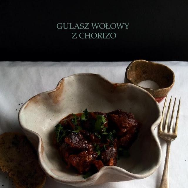 Gulasz wołowy z chorizo z wolnowaru
