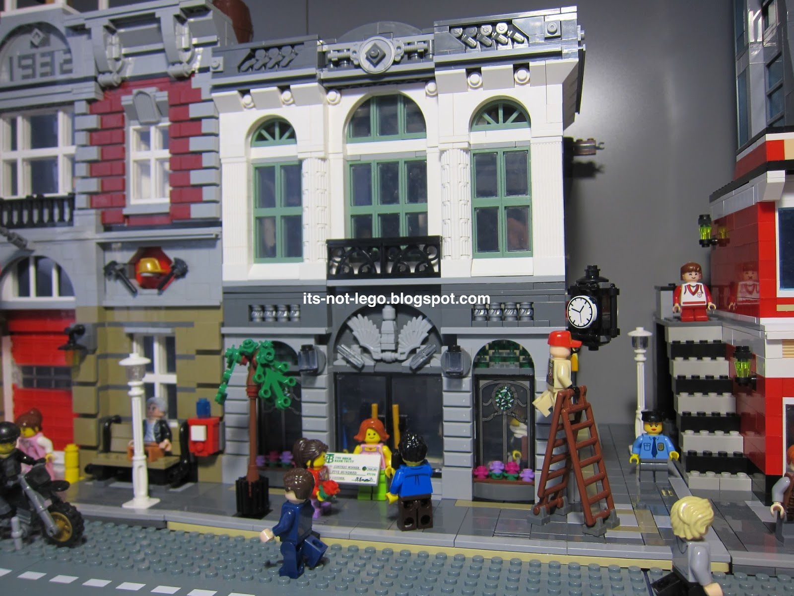 It's Not Lego!: Lepin 15001 Fake Lego Brick Bank Modular Building