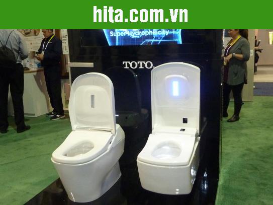 Bồn vệ sinh TOTO 'thông minh' không cần giấy vệ sinh