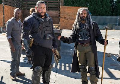 Morgan Jones (Lennie James), Jerry (Cooper Andrews) ed Ezekiel (Khary Payton) nell'episodio 13