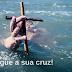 Jesus o Nazareno, o Homem que carregou a Cruz.